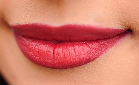 Факты о губной помаде